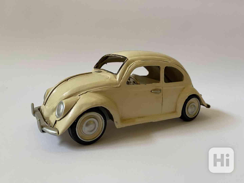 Kovový model auta Volkswagen brouk