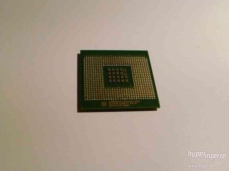 CPU Intel Xeon 2,8GHz FSB533/512kB L2 socket604 FCPGA - foto 4