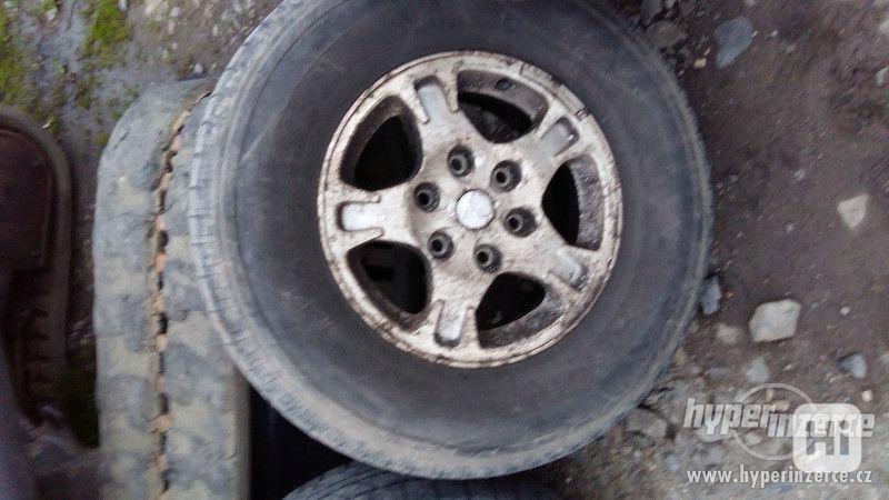 pneu na Mitsubishi Pajero