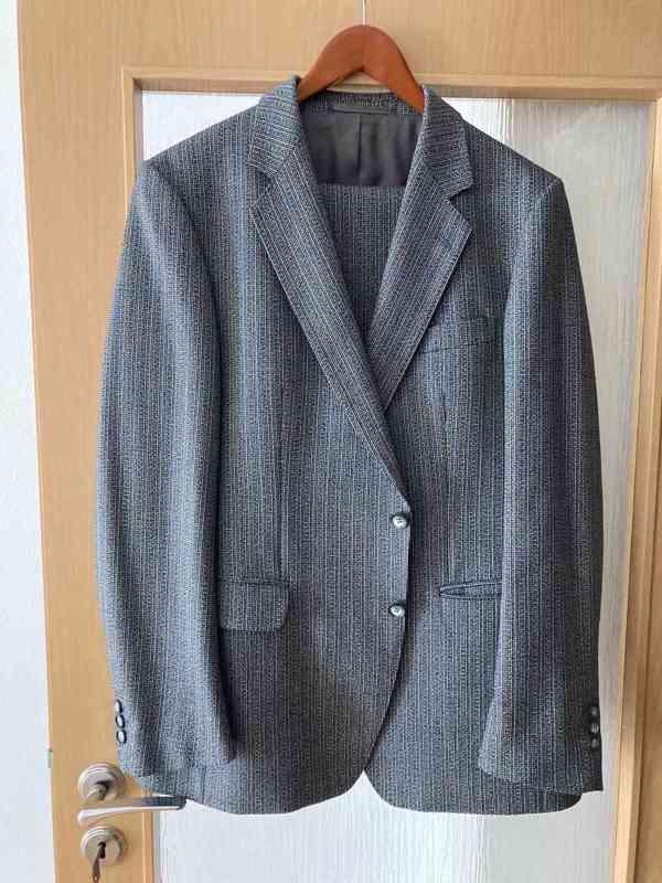 Prodám pánské obleky velikost 52 !!!