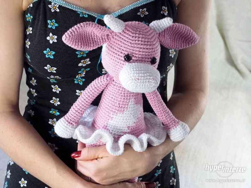 Pletená hračka - kráva Milko.