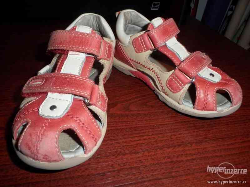 Dívčí zdravotní kožené sandály Santé vel. 25