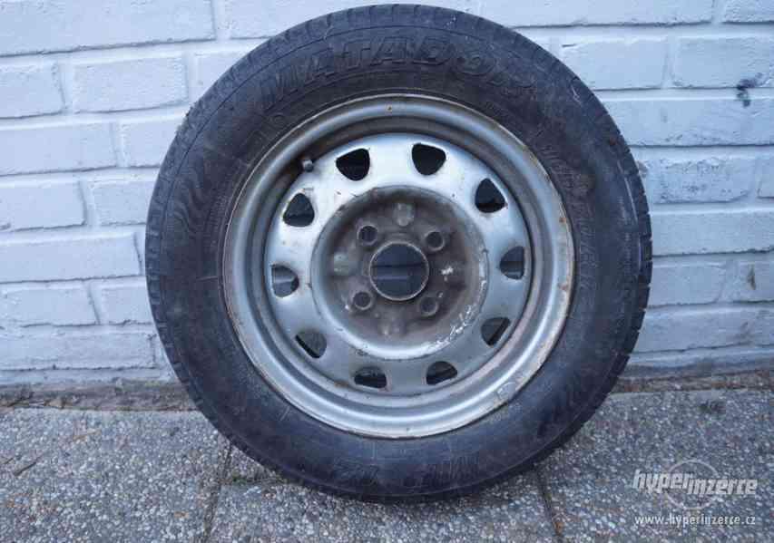 Disk ráfek 4x100 Škoda s pneumatikou 165/70 R13 ET38.