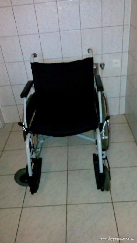 Invalidní vozík B+B s antidekubitní podložkou