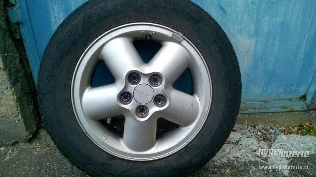 letní pneu 175/70 R14 +alu disky Subaru impreza GF
