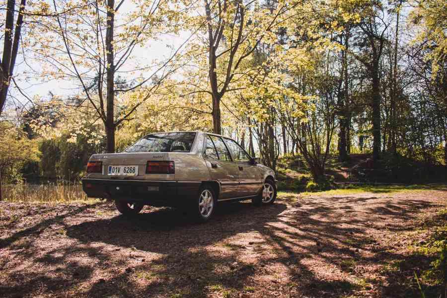 Mitsubishi Lancer 1988 - foto 10