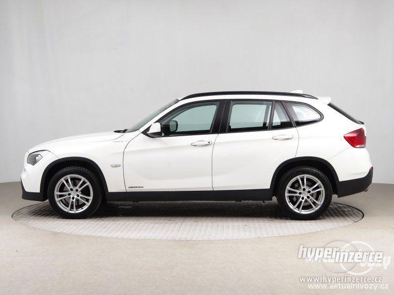 BMW X1 2.0, nafta, rok 2011 - foto 5