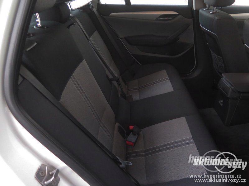 BMW X1 2.0, nafta, rok 2011 - foto 6
