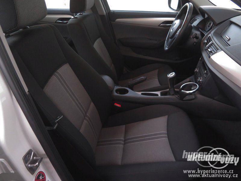 BMW X1 2.0, nafta, rok 2011 - foto 7