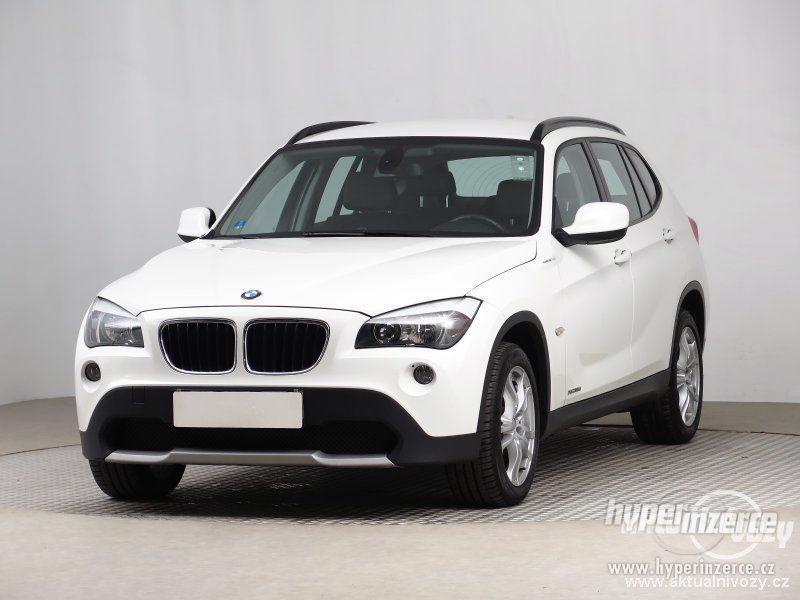 BMW X1 2.0, nafta, rok 2011 - foto 10