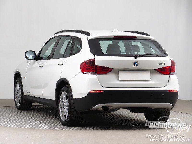 BMW X1 2.0, nafta, rok 2011 - foto 14