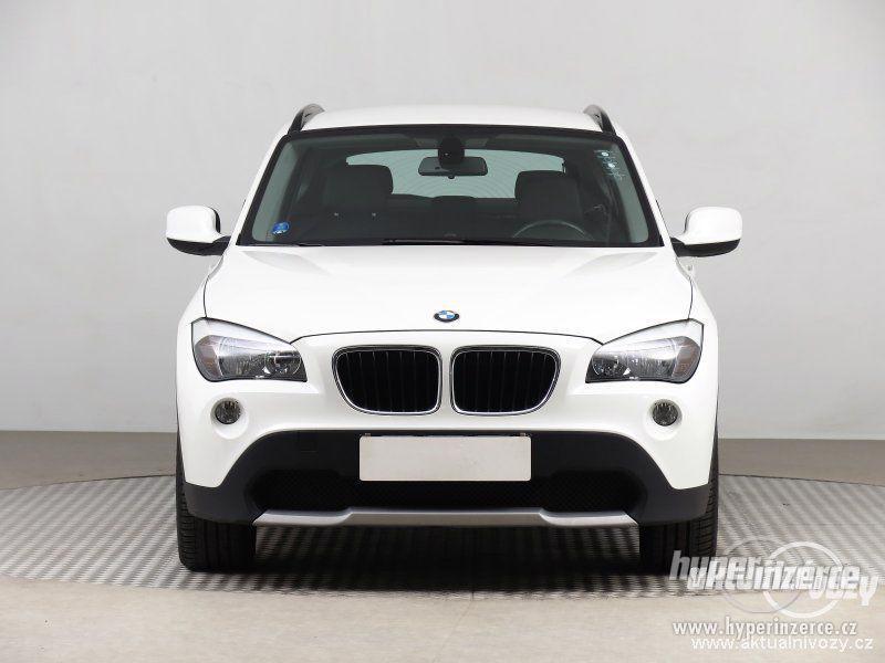 BMW X1 2.0, nafta, rok 2011 - foto 15