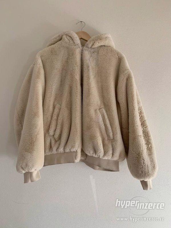 Krémová oboustranná bunda, Zara
