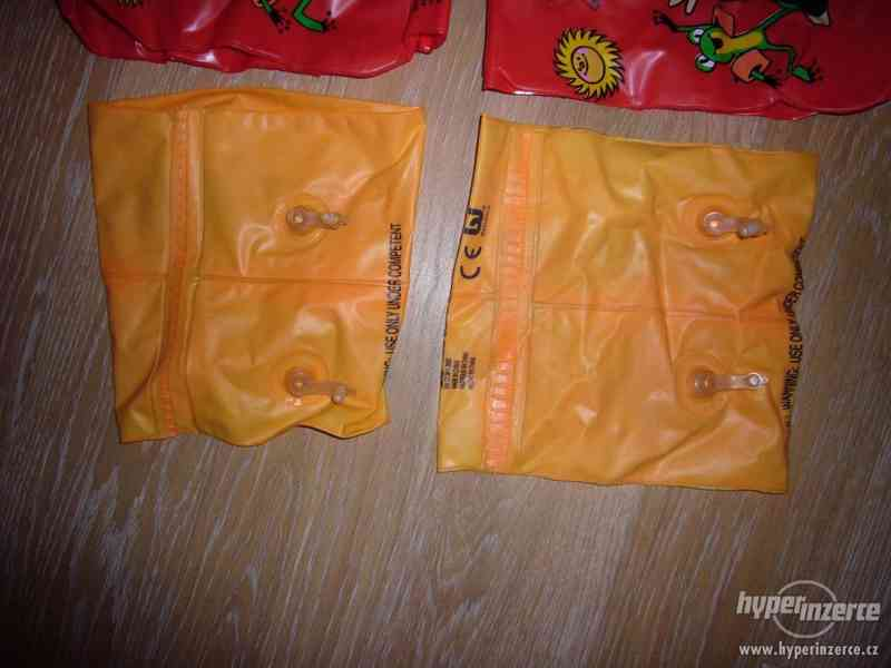 Plavací nafukovací rukávky - 4 páry + 1 nafukovací míč - foto 2