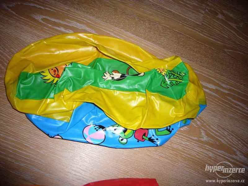 Plavací nafukovací rukávky - 4 páry + 1 nafukovací míč - foto 5