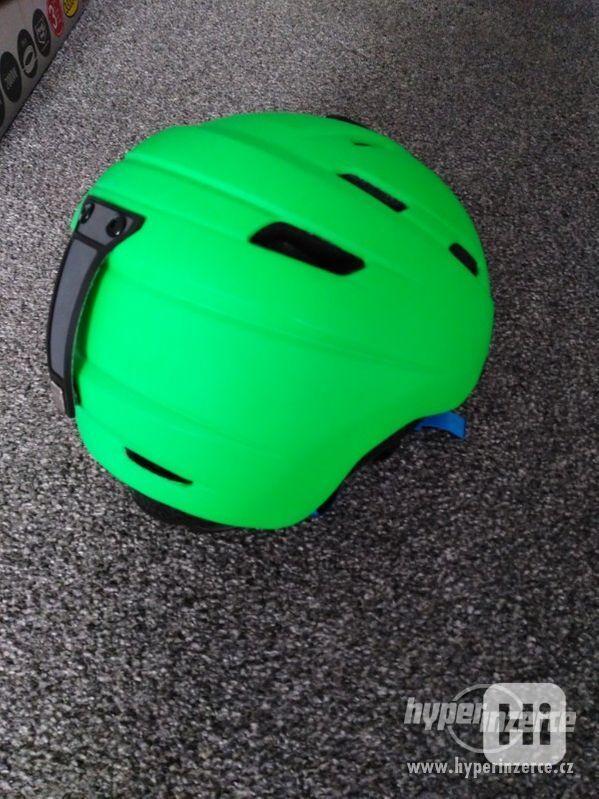 Lyžařská helma dětská