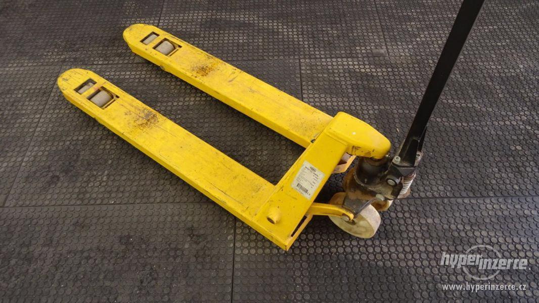 Průmyslová podlaha - desky z recyklovaného PVC 120x80cm - foto 7