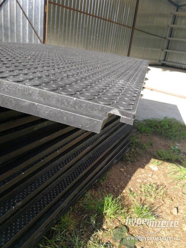 Průmyslová podlaha - desky z recyklovaného PVC 120x80cm - foto 9