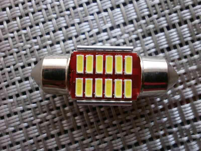 LED osvětlení interieru auta - foto 4