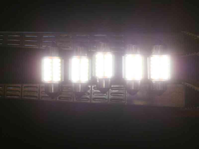 LED osvětlení interieru auta - foto 8