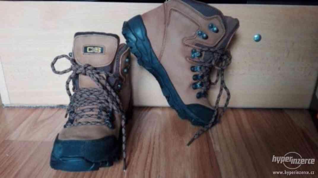 Dámská kvalitní nová trekingová obuv