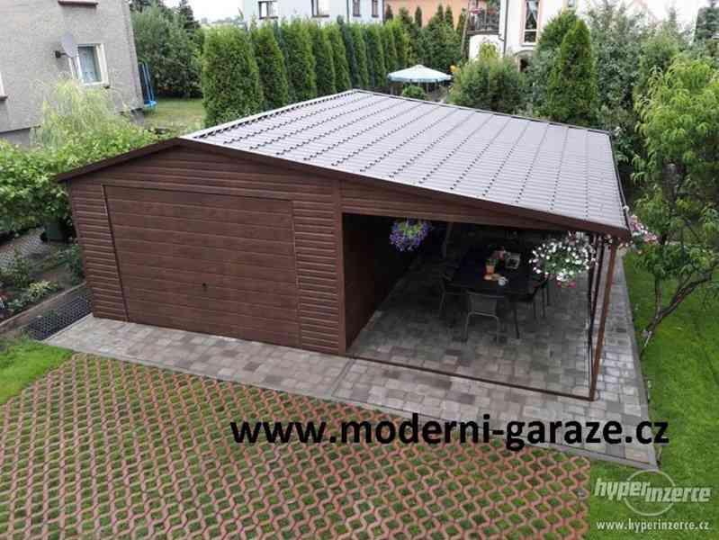 Stylová, plechová garáž s imitací dřeva 4x5m s přístřeškem