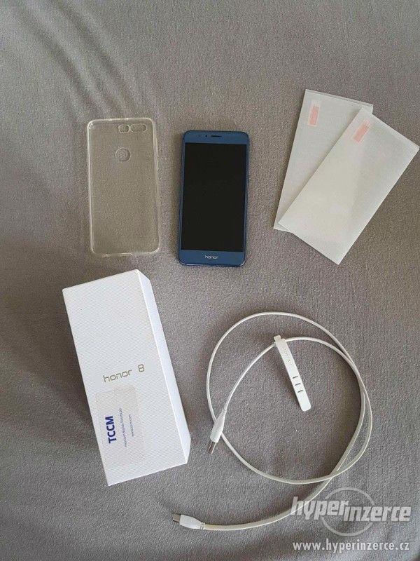 Mobilní telefon Honor 8 blue