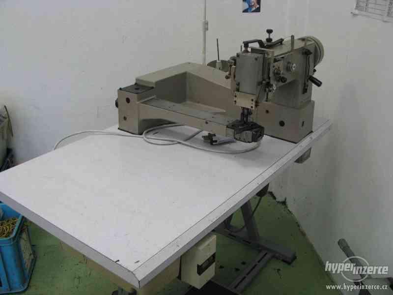 Průmyslový šicí stroj - foto 1