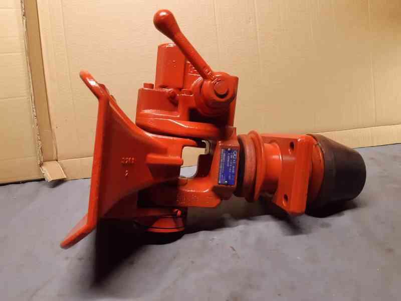 Iveco - tažné zařízení Rockinger 400G145 - foto 2