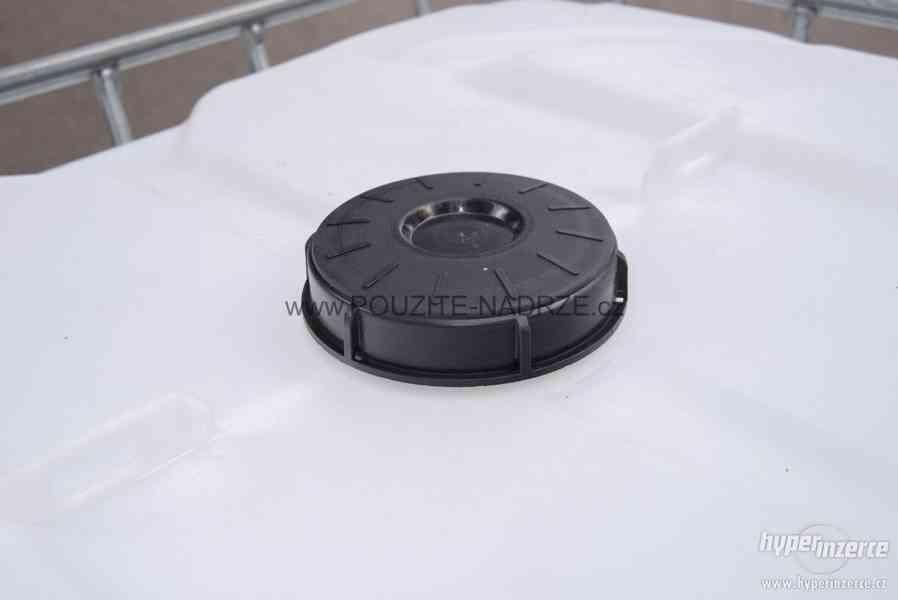 NOVÁ IBC nádrž 1000L / 15cm, pozinkovaná / plastová paleta - foto 4