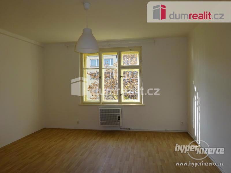 Velmi hezký byt 1+kk po rekonstrukci, Praha 10-Strašnice