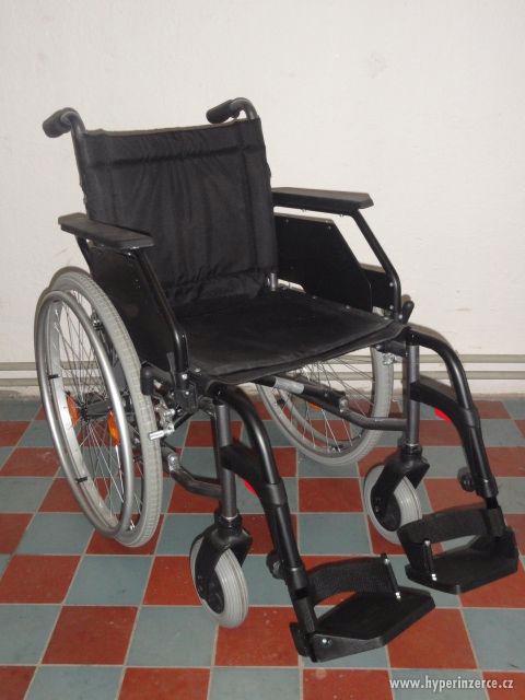 Mechanický invalidní vozík - nový