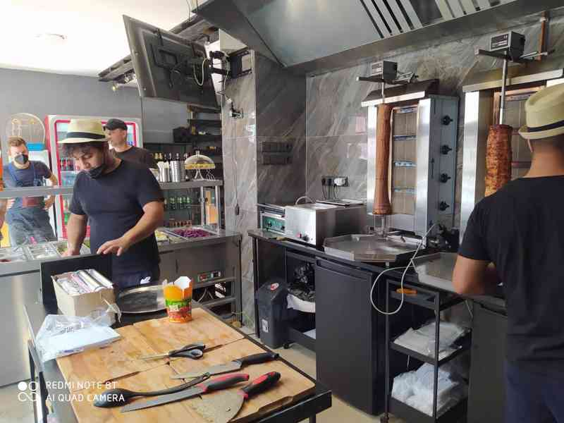 Pronájem nově zrekonstruované fast food restaurace. - foto 4