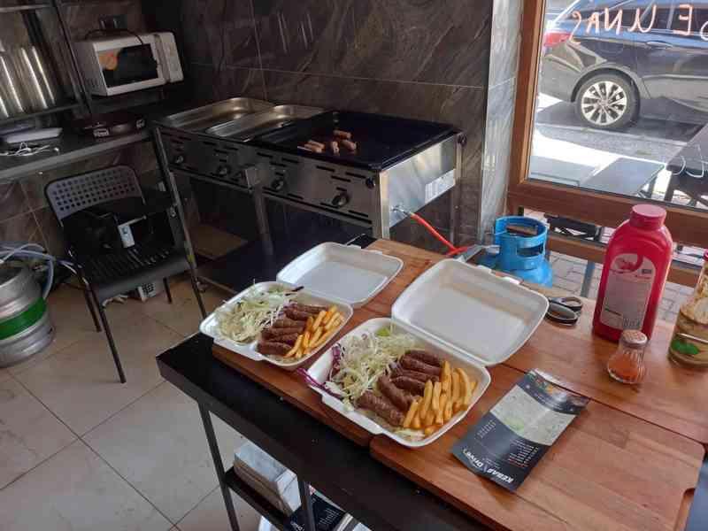 Pronájem nově zrekonstruované fast food restaurace. - foto 7