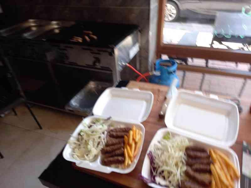 Pronájem nově zrekonstruované fast food restaurace. - foto 10
