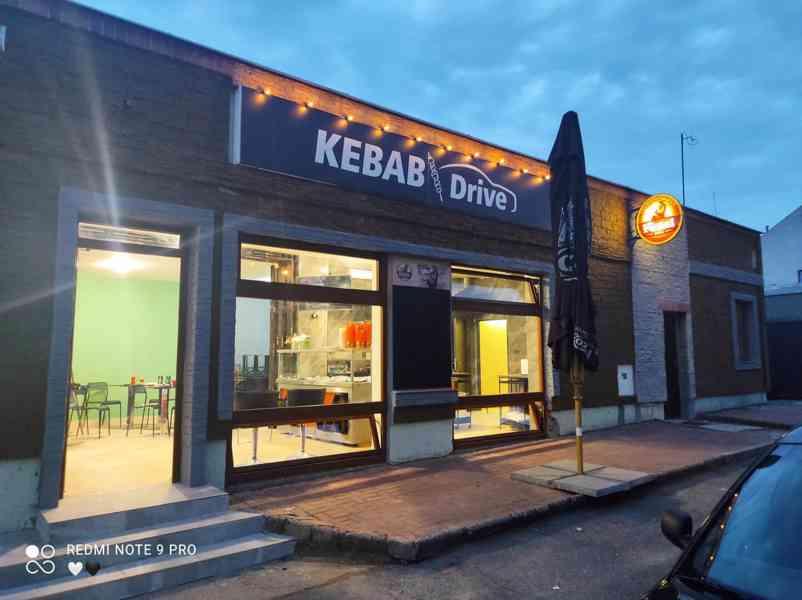 Pronájem nově zrekonstruované fast food restaurace. - foto 1