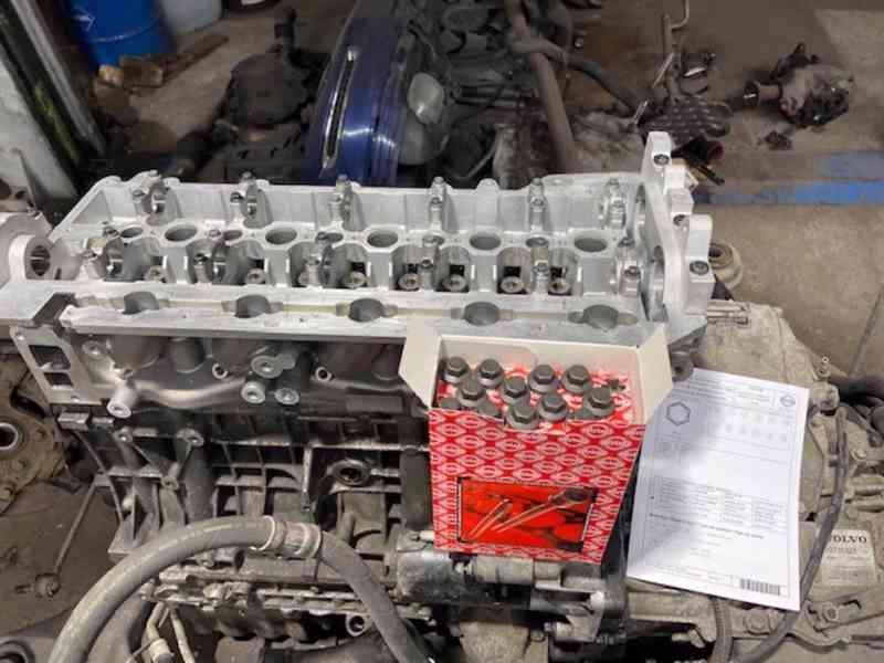 Volvo XC 90 OCEAN RACE 2.4 D5 AWD 136KW GO motoru 1 majitel! - foto 15