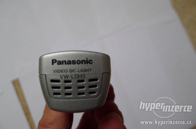 Přídavná Lampa Panasonic - Video DC Light VW-LDH3 . - foto 8