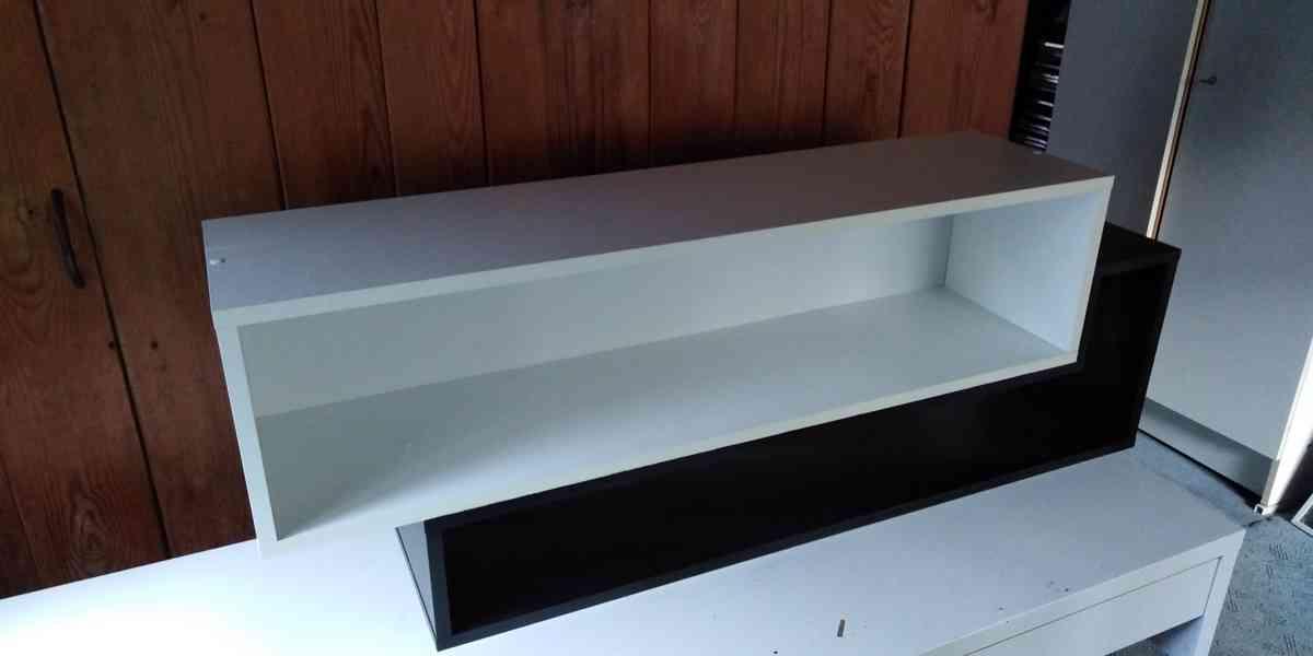 Dětský psací stůl a dvojitá polička - foto 2