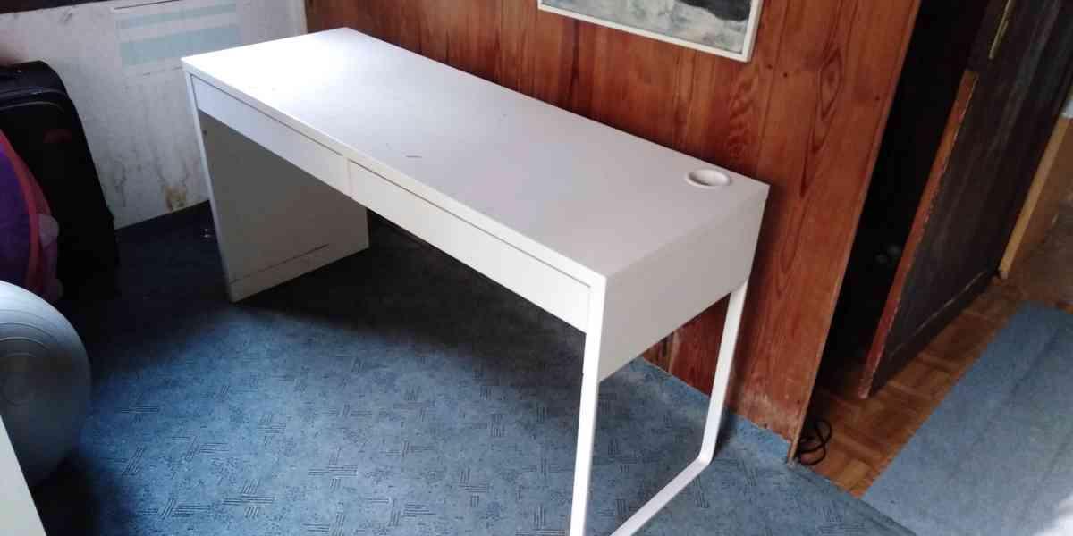 Dětský psací stůl a dvojitá polička - foto 7