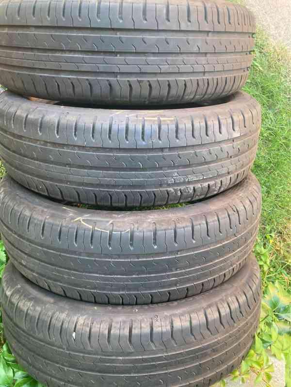 4 ks letní pneu téměř nové 165/60 R15 např. na Toyotu Aygo - foto 1