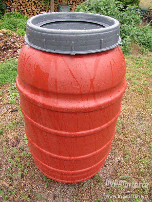 Plastové sudy 150l potravinařské - foto 2