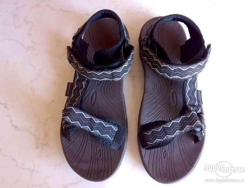 Nové trekingové sandály Kilimanjaro Adventure, vel. 42