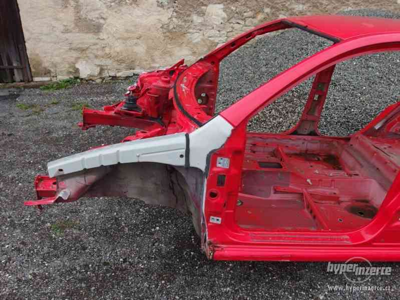 Havarovaná karoserie Škoda Fabia I hatchback - foto 2