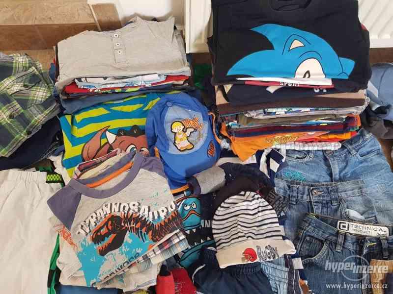 Oblečení pro chlapce vel.116-122 - foto 1