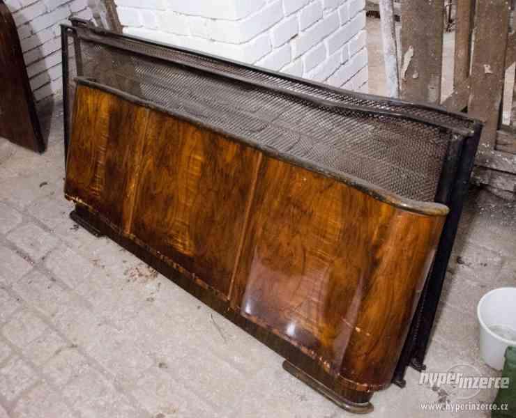 Sada starožitného nábytku z 50. let, ložnice