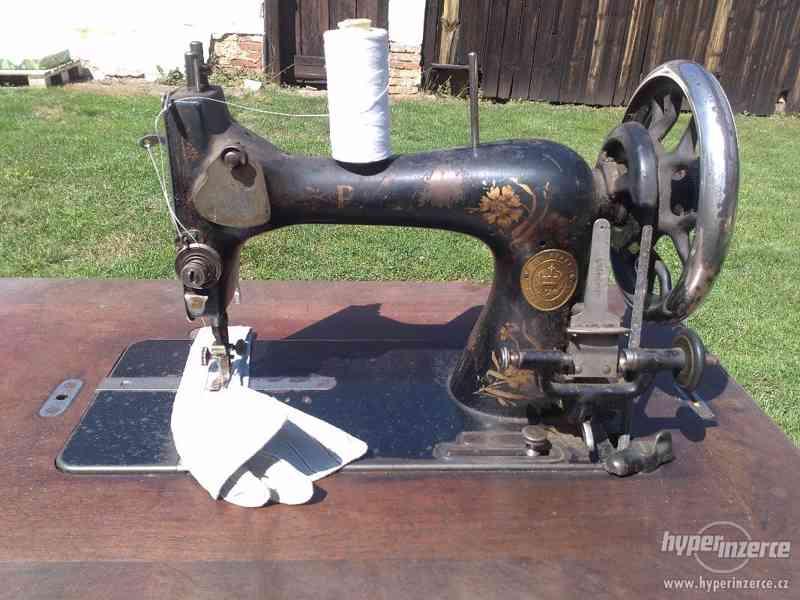 Starožitný šicí stroj PFAFF