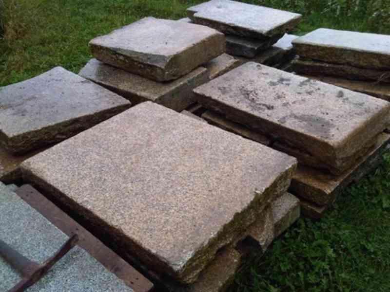 Kamenná dlažba, zápražáky, šlapáky - foto 2