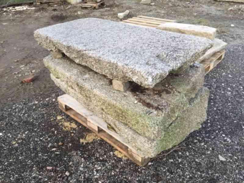 Kamenná dlažba, zápražáky, šlapáky - foto 3