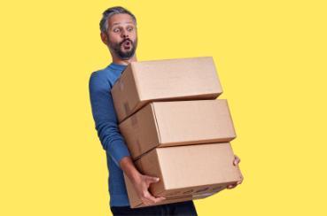 Nošení krabic a pomoc s převozem